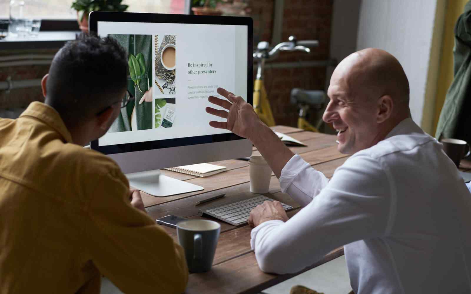 Consultant advising business on web design