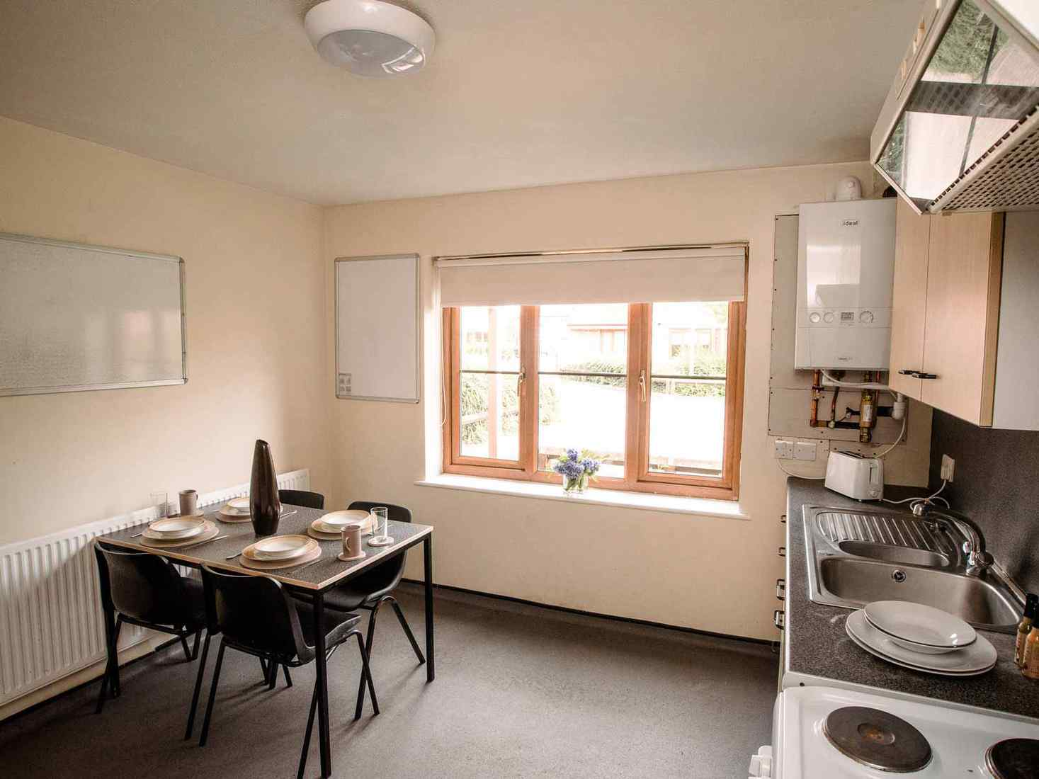 Communal kitchen in Limes Court with table for 4