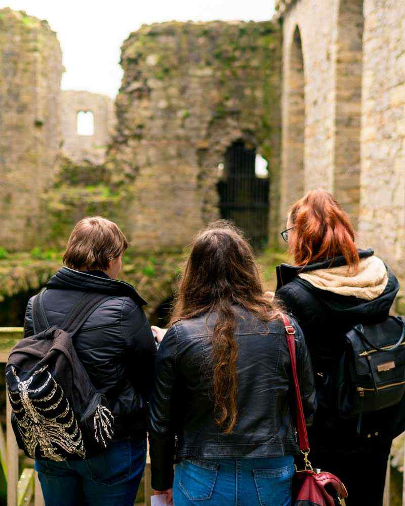 Students at a castle on a field trip
